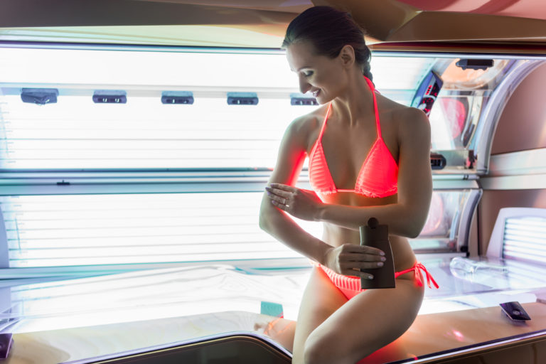 10 Best Indoor Tanning Lotions for Fair Skin