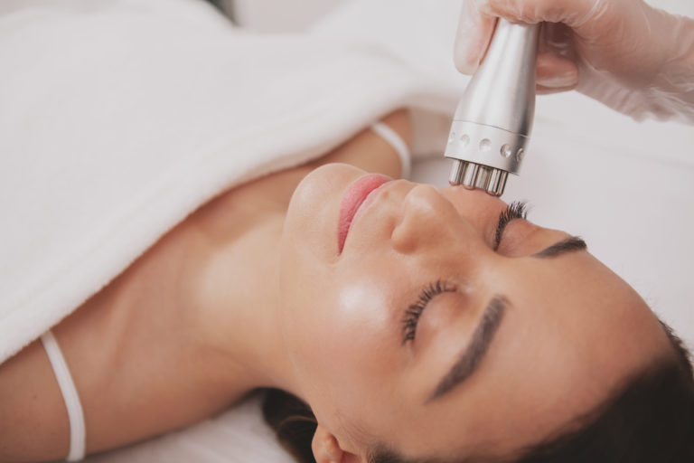 Best Radio Frequency Skin Tightening Machines for Home Use