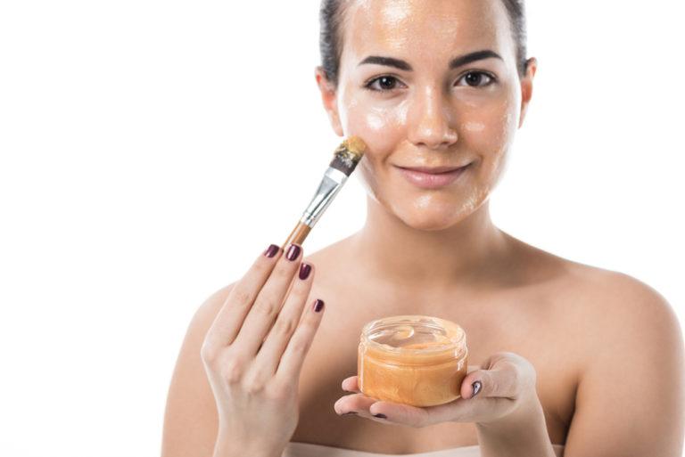 How to Lighten Skin Naturally: Dark Spots and Darkened Skin